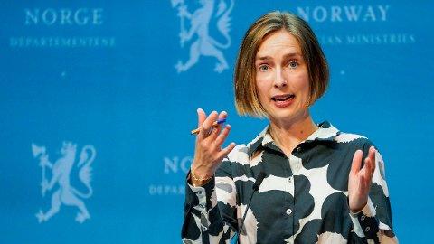 VIL HA ENDRING: Næringsminister Iselin Nybø sier at regjeringen om kort tid skal foreslå en forskriftsendring i aksjeloven, som vil gagne små bedrifter.