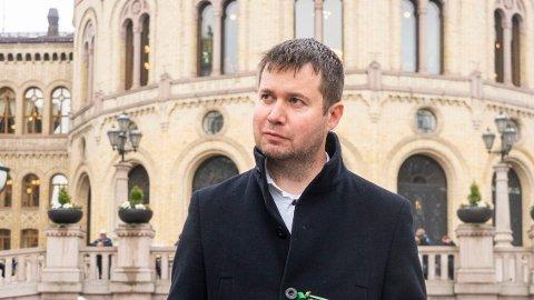 Senterpartiets næringspolitiske talsperson på Stortinget, Geir Pollestad, er lite fornøyd med regjeringens skattebombe to uker før valget.