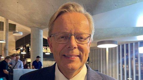 RIS OG ROS: Arill Ingvald Riise (62) tok tilbake kontrollen under TV 2s direktesendte debatt i Bjørvika onsdag.