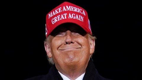 RYKTENE GÅR: Ryktene om at tidligere president Donald Trump skal holde et folkemøte i Iowa i oktober, setter nå fart i spekulasjonene om at han vil stille til presidentvalget i 2024.
