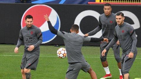 FRA START: Lionel Messi debuterer endelig fra start for PSG.