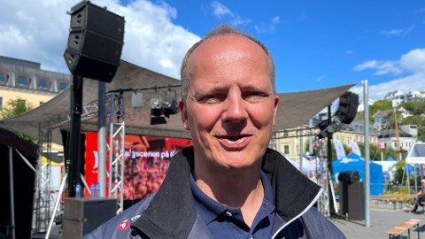 PÅ BEGGE SIDER: Ketil Solvik-Olsen, som myket opp elsparkesykkelreglene som samferdselsminister, er nå deleier i en elsparkesykkelaktør.