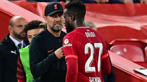 HYLLES: Divock Origi hylles av Jurgen Klopp etter Champions League-kampen mellom Liverpool og AC Milan.