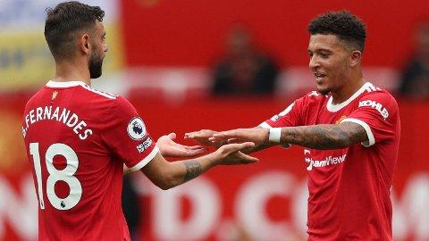 Jadon Sancho (t.h.) har kun startet to av de fem første kampene til United. Her jubler han sammen med Bruno Fernandes.