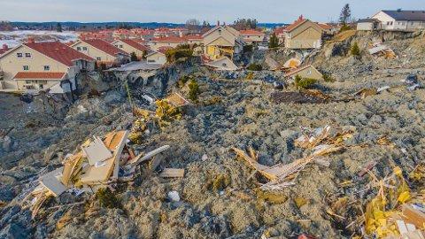 MASSIVE ØDELEGGELSER: 31 boenheter ble vasket vekk av jordmassene da det som NVE omtaler som et av de største kvikkleiereskredene vi har hatt i Norge gikk i desember 2020.