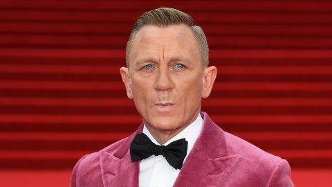 – KLEINT OG FREKT: Daniel Craig får høre det etter opptredenen på den røde løperen under førpremieren på den nye James Bond-filmen.