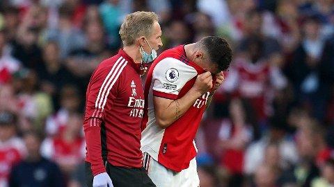 UTE I LANG PERIODE: Arsenals Granit Xhaka pådro seg en skade i møtet med Tottenham.