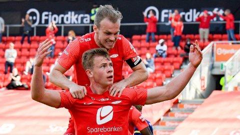 Petter Strand (øverst) og Aune Selland Heggebø må bryte Nedre Eiker-forbannelsen søndag kveld.