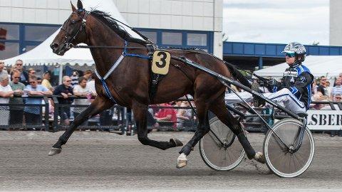 Per Lennartsson er aktuell i kveldens V64-omgang. Foto Morten Skifjeld/Hesteguiden.com