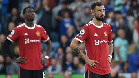 Bruno Fernandes (t.h.) og Paul Pogba depper etter helgens 2-4-tap mot Leicester.