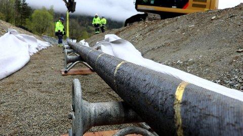 Uruchomiony 1 października kabel zasilający North Sea Link o długości około 720 km łączy Norwegię z Wielką Brytanią. W zeszłym tygodniu kablem tym przesłano 40 procent norweskiego eksportu netto energii elektrycznej.