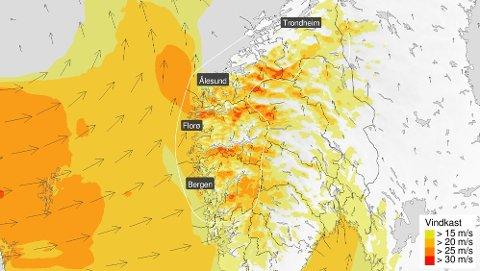 HØSTSTORM I JUNI: Farevarslet er på oransje nivå fra Hordaland til Trøndelag, sør for Trondheimsfjorden.