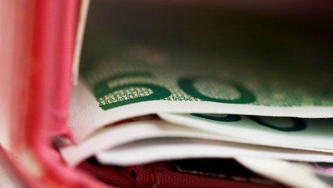 PROBLEMER MED PENGER: Mange nordmenn mistenker at deres nærmeste har pengeproblemer.
