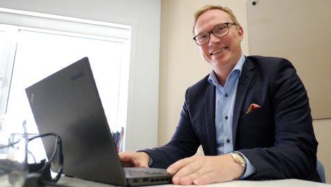 Åge Spets i Redningsselskapet kunne bruke timesvis på å lese e-post. Nå har han en nullvisjon for seg selv og selskapet i løpet av 2019.