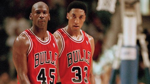 FLY FORBANNA: Scottie Pippen skal visstnok være misfornøyd med Michael Jordan.
