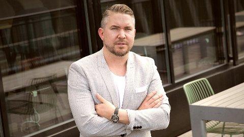 LEGGER SEG UT MED ADVOKATENE: Erling Løken Andersen regner med å bli saksøkt av advokater når han lar klientene rangerte dem.
