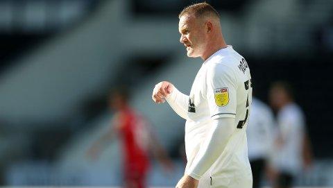 Derby County og Wayne Rooney reiser seg i ligacupen, etter lørdagens 0-2-tap i seriestarten mot Reading.