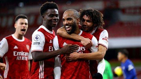 Alexandre Lacazette (midten) har scoret i de to siste kampene for Arsenal.