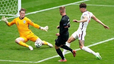 VIKTIG: Jordan Pickford har levert et strålende mesterskap for England.