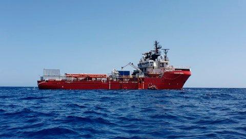Det norske skipet Ocean Viking plukket onsdag opp 73 mennesker fra en overfylt gummibåt om lag 50 kilometer fra Libyas kys.