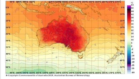 HETEBØLGE: De foreløpige tallene viser at tirsdag var den varmeste dagen noensinne målt i Australia med en gjennomsnittstemperatur på 40,9 grader. Den tidligere rekorden ble satt 7. januar 2013 da snittet var 40,3. Hetebølgen fortsetter ut uka, og australske meteorologer venter nye rekorder.