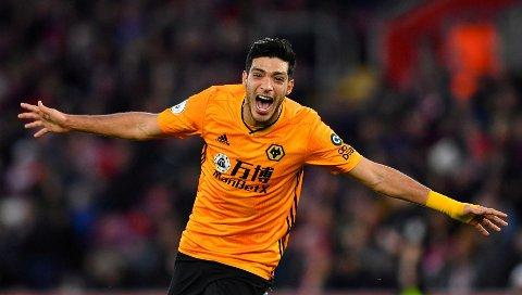 Wolverhampton's toppscorer Raul Jimenez jubler etter ett av sine 11 seriemål denne sesongen.