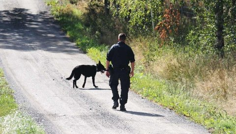 Politiet brukte hund i etterforskningen i Rygge.