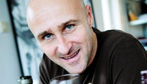 "EKSPERT: Ole Martin Alfsen er vinkelner og fagansvarlig for mat og drikke ved Kulinarisk Akademi. Ansvarlig for vinkelnerutdannelsen i Norge. Du ser ham som ekspert i TVNorges ""4-stjerners middag"" hver uke. FOTO: Tore Sandberg"