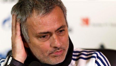 IKKE FORNØYD: José Mourinho er ikke fornøyd med det tette kampprogrammet.