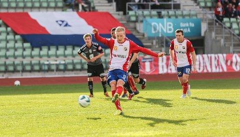 Rune Isaksen scoret to straffemål mot Brann 2 på søndag. I cupkampen mot Bærum ble det to til.