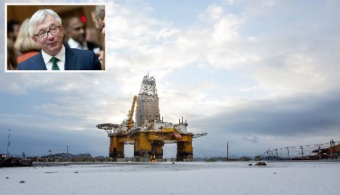 Karl Erik Schjøtt-Pedersen (opp til venstre) lanserte nye prognoser for oljeinvesteringene frem til 2013.