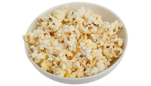 SUNT: Ifølge forskere i USA er popkorn et av de sunneste snacksene du kan stappe i deg på kino.