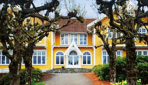 Vi har skrevet en liste på norske, luksushoteller som virkelig er verdt turen. Solstrand Hotel & Bad i Osøyro havner på femteplass.