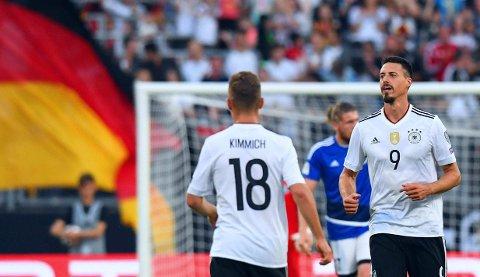 TRE FULLTREFFERE: Sandro Wagner (til høyre) var blant spillerne som fikk nyte godt av den svake motstanden Tyskland møtte i Nürnberg. Hoffenheim-spissen scoret tre ganger mot San Marino.