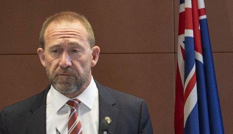 PENGE- OG REKLAMEFORBUD: New Zealands justisminister Andrew Little begrunner tiltakene som nødvendig for å beskytte landets demokrati.