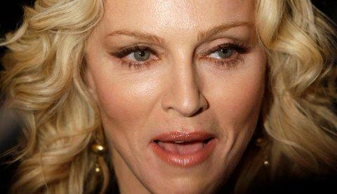 DELER BILDER: Artisten Madonna har lagt ut svært lettkledde bilder av seg selv på Instagram. ARKIVFOTO: SCANPIX