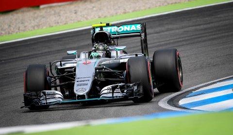 KJENTE TRAKTER: Tyske Nico Rosberg får det beste utgangspunktet før Tyskland Grand Prix på Hockenheim-banen.