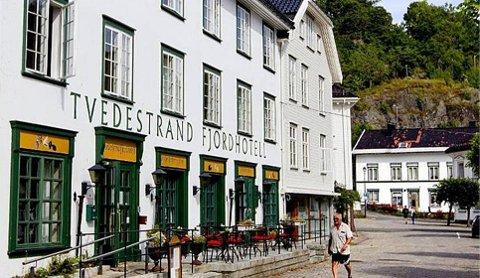 I VASKEN: Driveren av Tvedestrand Fjordhotell tok ikke pålegg fra Arbeidstilsynet så alvorlig. Dermed gikk en millionavtalen for innkvartering av asylanter i vasken. Stort bedre gikk det heller ikke da hotellet krevde erstatning fra staten.