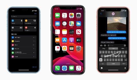 IOS 13: Apple har akkurat annonsert iOS 13 med en rekke nye funksjoner til iPhone. Den mest iøyenfallende er «mørk modus», som endrer hele fargepaletten på mobilen. Ikke bare er det mer behagelig for øynene i mørket, det kan også spare strøm på batteriet.