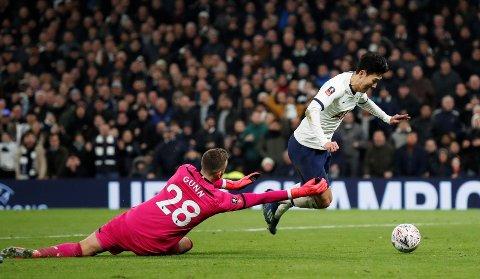 AVGJORDE: Son Heung-min ordnet både straffesparket og matchvinnermålet da Spurs tok seg videre i FA-cupen mot Southampton.
