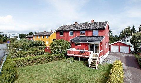 POPULÆRT: Det var fullt hus under visning av Hellerudfaret 6B. Prisen endte på 5,3 millioner kroner, nesten en million over takst.