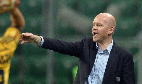 AVBRUTT: Henning Berg og Legia fikk ikke fullføre kampen.