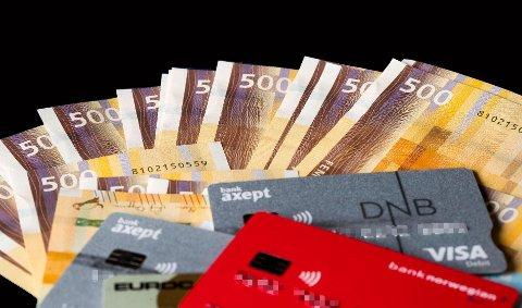 SKYLDER MYE: Det går mot en sterk økning i antall inkassosaker og konkurser fremover, advarer bransjetopp.