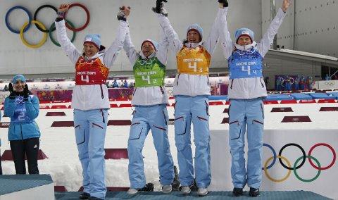 BRONSE: De norske skiskytterjentene jublet for tredjeplass på stafetten i Sotsji.