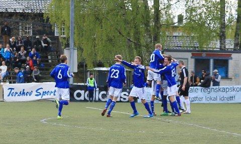 Kjelsås-spillerne jubler over 3-1 mot Skeid.