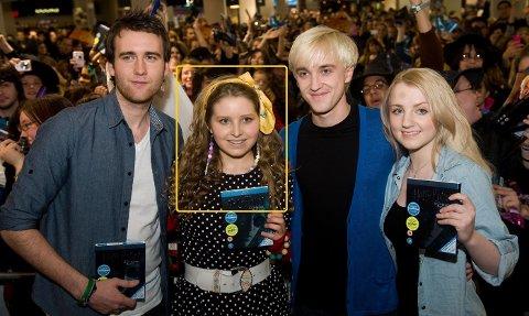 Jessica Caves to måneder gamle sønn er innlagt på sykehus med koronavirus. Her med «Harry Potter»-kollegaene Matthew Lewis (t.h) , Tom Felton (t.h i midten) og Evanna Lynch (t.v)