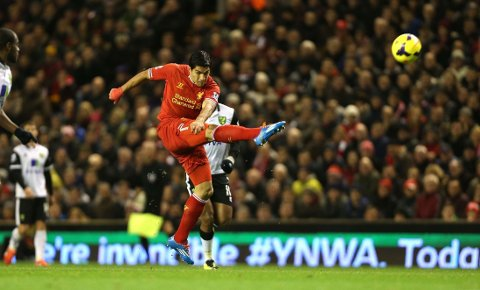ÅRETS SPILLER: Luis Suarez vant prisen for årets spiller i Premier League.