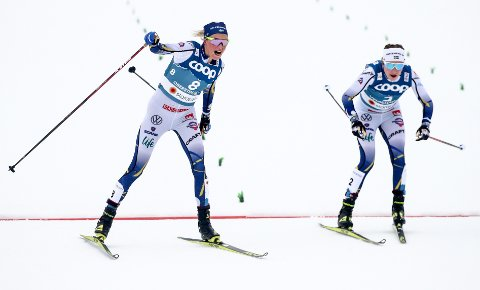 REAGERTE: Ebba Andersson (t.h.) sa klart ifra hva hun mente. Nå tar det svenske landslaget grep. Er er hun sammen med Frida Karlsson under VM i Oberstdorf tidligere i år.