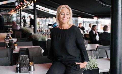 FOLKETOMT: Tone I. Langbach, direktør i Mat og Drikke-gruppen sier at det dårlige sommerværet i Sør-Norge fører til at mange restauranter sliter.