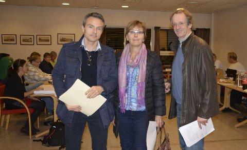OPPGITT: Stian Øvestad (f.v.), Ann Nordal og Gunnar Jahren er blant naboene som kjemper mot den storstilte utbyggingen som er foreslått på Oppsal gård. Her i åpen halvtime hos Østensjø bydelsutvalg. Foto: Nina Olsen